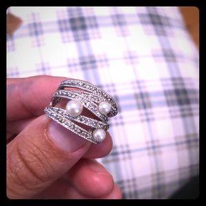 Premier fashion pearl ring size 6